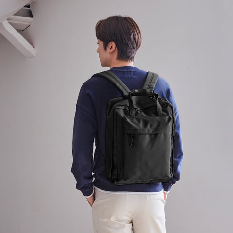 Voyager V3 Backpack Black Model