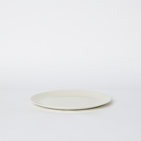Flared Plate Small in Milk