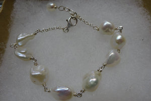 Pearl and silver bracelet.