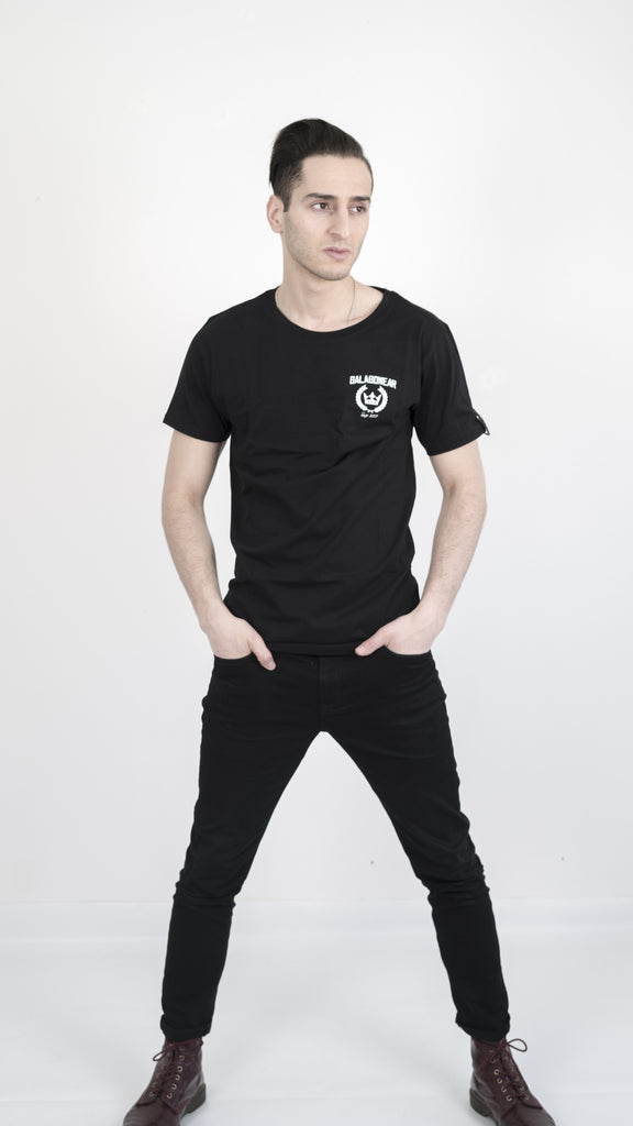 By heart tshirt - black