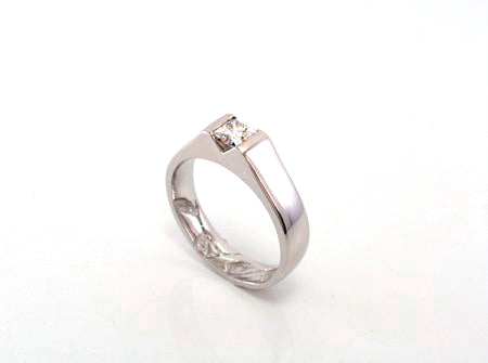 Custom Platinum princess cut diamond engagement ring made by ZEALmetal, Nicole Horlor, Kingston, ON Canada