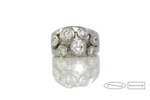 Multi-stone diamond ring