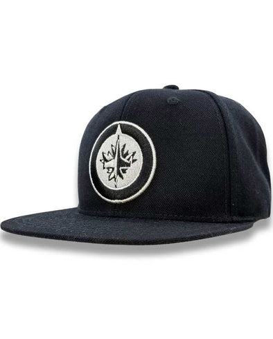 BLACK AND SILVER SNAPBACK