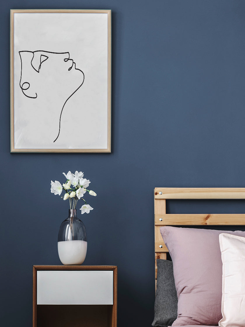 look-up-line-art-face-poster-in-interior-bedroom