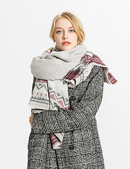 Light Gray Geometric  and Zig Zag Print Scarf