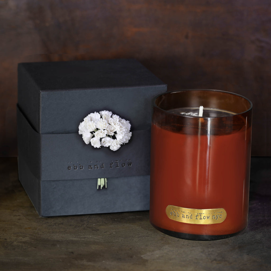 SANDALWOOD BLOSSOM SOY CANDLE - 65 HR BURN TIME