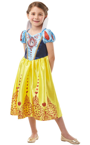 Snow White girls dress with Snow White's iconic collar and puff sleeves. Lam and satin bodice with character gem motif. Satin skirt with sparkly glitter detail.