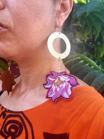 Fully supported flowered earring