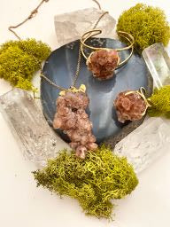 Aragonite Focus Necklace