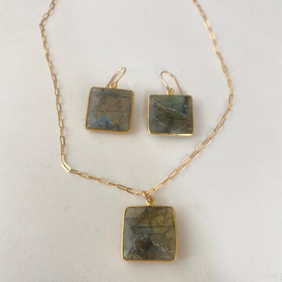 Labradorite 4 Corners Necklace