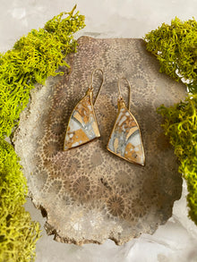 Palm Root Angle Earrings