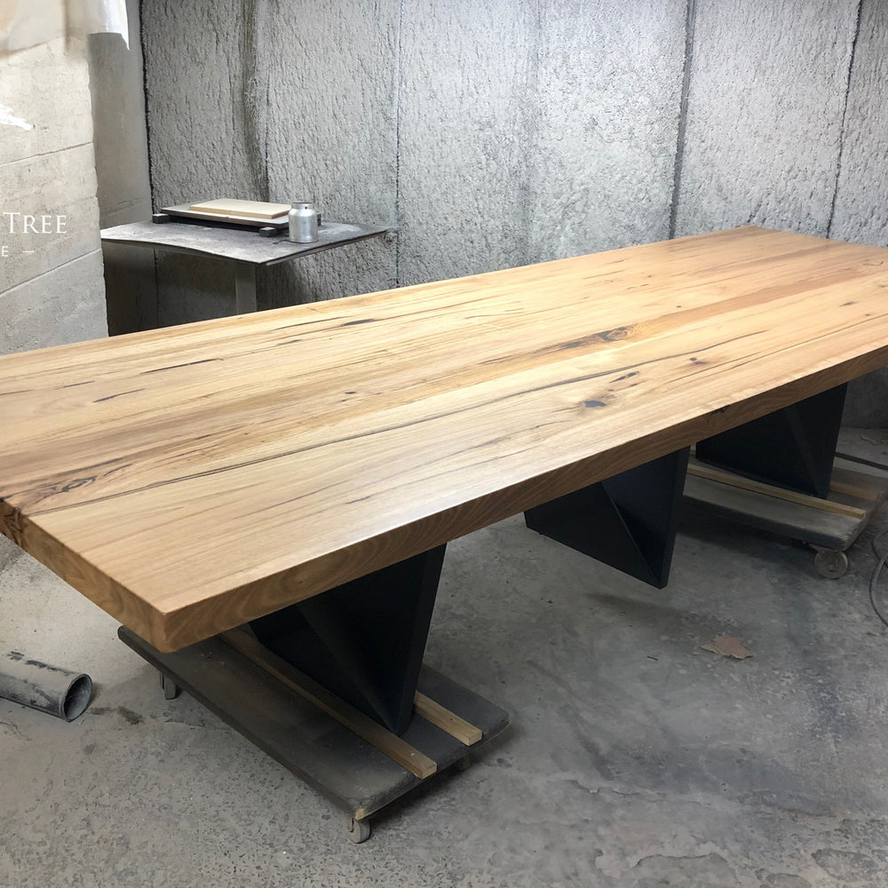 Vivo Custom-Made Dining Table