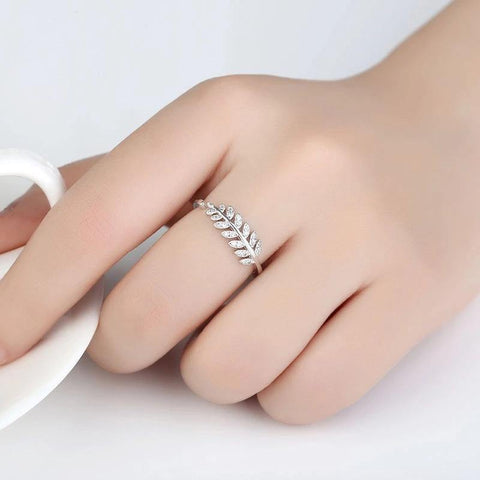 Simple open Leaf Fashion Finger Ring