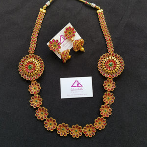 Kemp Style Traditional Neckset