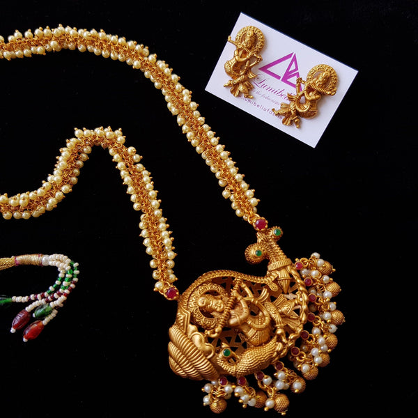 Krishna Style Matte finish pearl neckset with Earrings