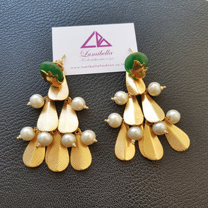 Gold polished free leaf style Designer Earrings