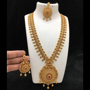 Matte Gold  Finish Semi Precious Stone Studded Neckset