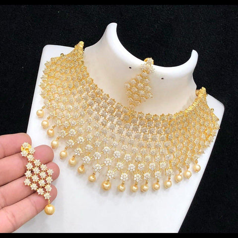 AD Gorgeous Choker with white stones