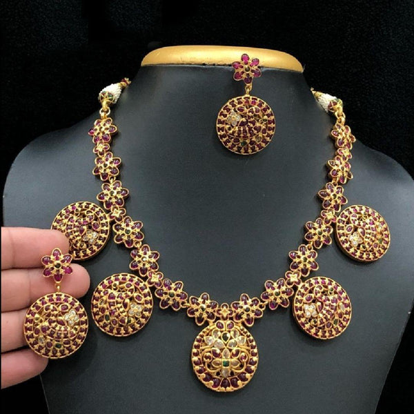Circle Style Kemp Studded South Indian Traditional Neck Set