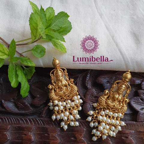 Laxmi stud earrings