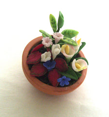 Terracotta pot of flowers 12th scale