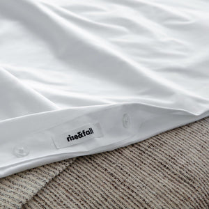 The Crisp & Cool luxury duvet cover