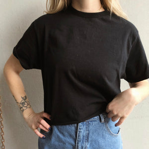 Black cropped T