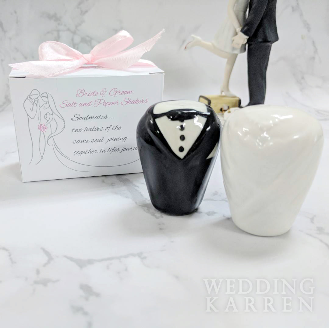 Bride Groom Salt Pepper Shaker Wedding Favours Wedding Karren
