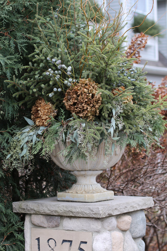 Christmas Decor: Urns and Windowboxes