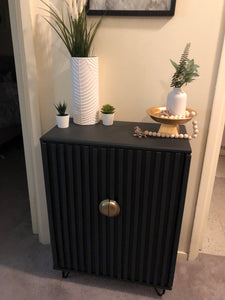 DIY FTW! Cabinet Upcycle