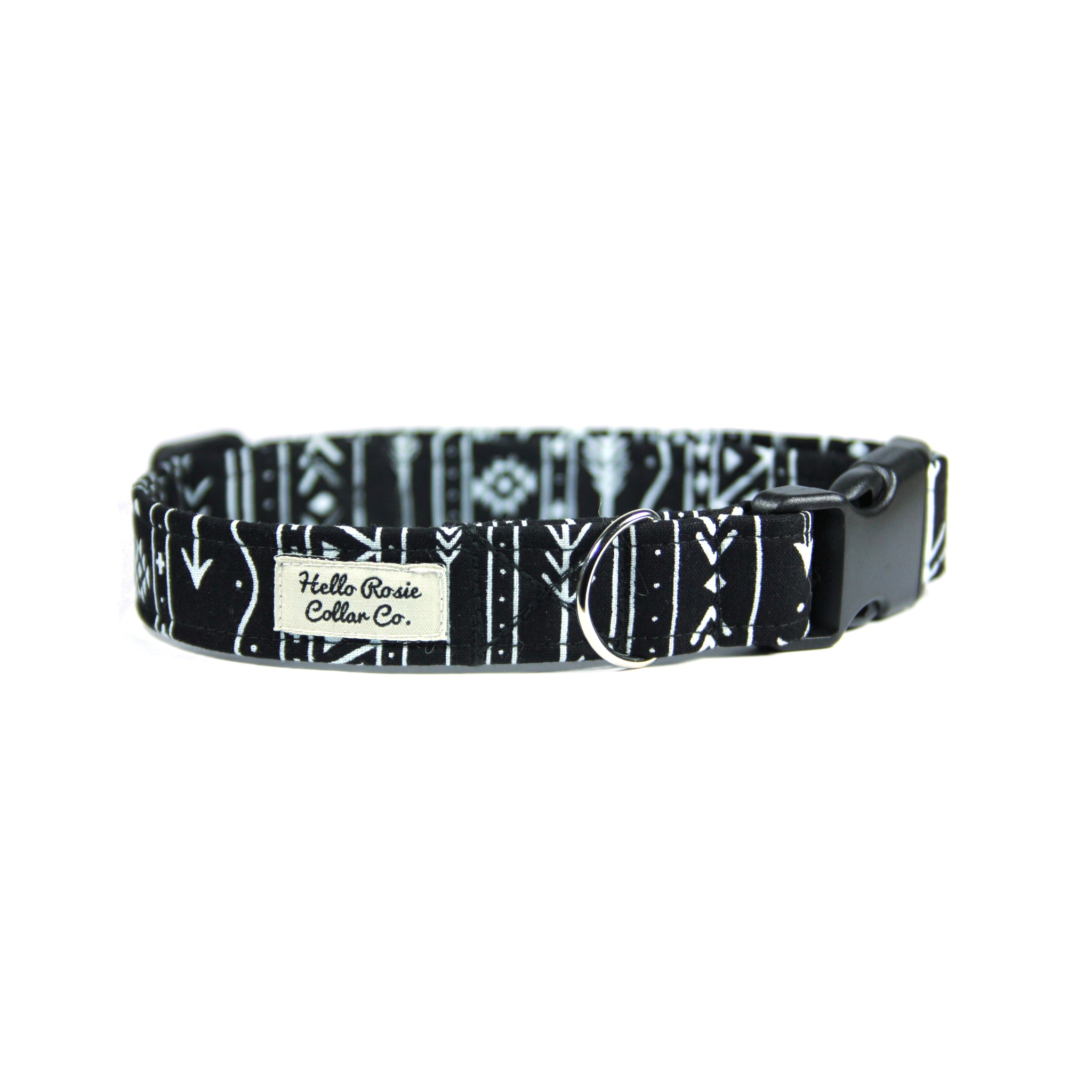 BLACK & WHITE ARROW DOG COLLAR