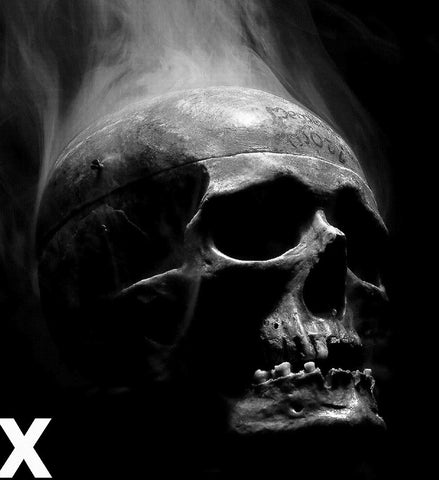 Skull in the dark with smoke - Airbrush Stencil