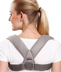 Tynor C-04 Clavicle Brace With Buckle is scientifically designed to immobilize, compress and ensure linear union of fractures involving the clavicle bone.