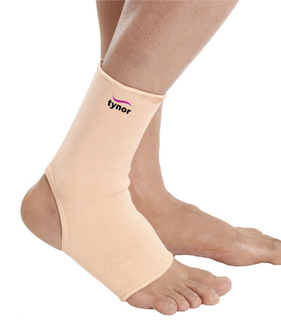 Tynor D-03 Anklet (Pair) provides mild compression, warmth & support to the ankle joint, to allay pain and inflammation generally associated with old age, arthritis, sports etc.