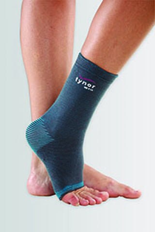 Tynor D-25 Anklet Comfeel is a next generation product, to provide mild compression, warmth, and support to the ankle joint. It is used to allay pain and inflammation, generally associated with old age, arthritis or injury