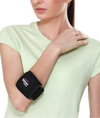 Tynor E-10 Tennis Elbow Support is designed to help provide relief from generalized pain and tenderness in the forearm and elbow caused by repetitive strain injury due to strong grip or active finger movement.
