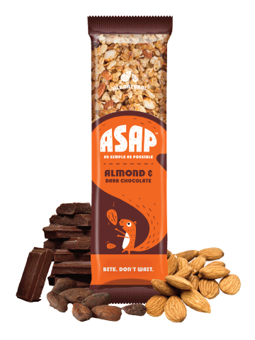 Almond and Dark chocolate granola bar
