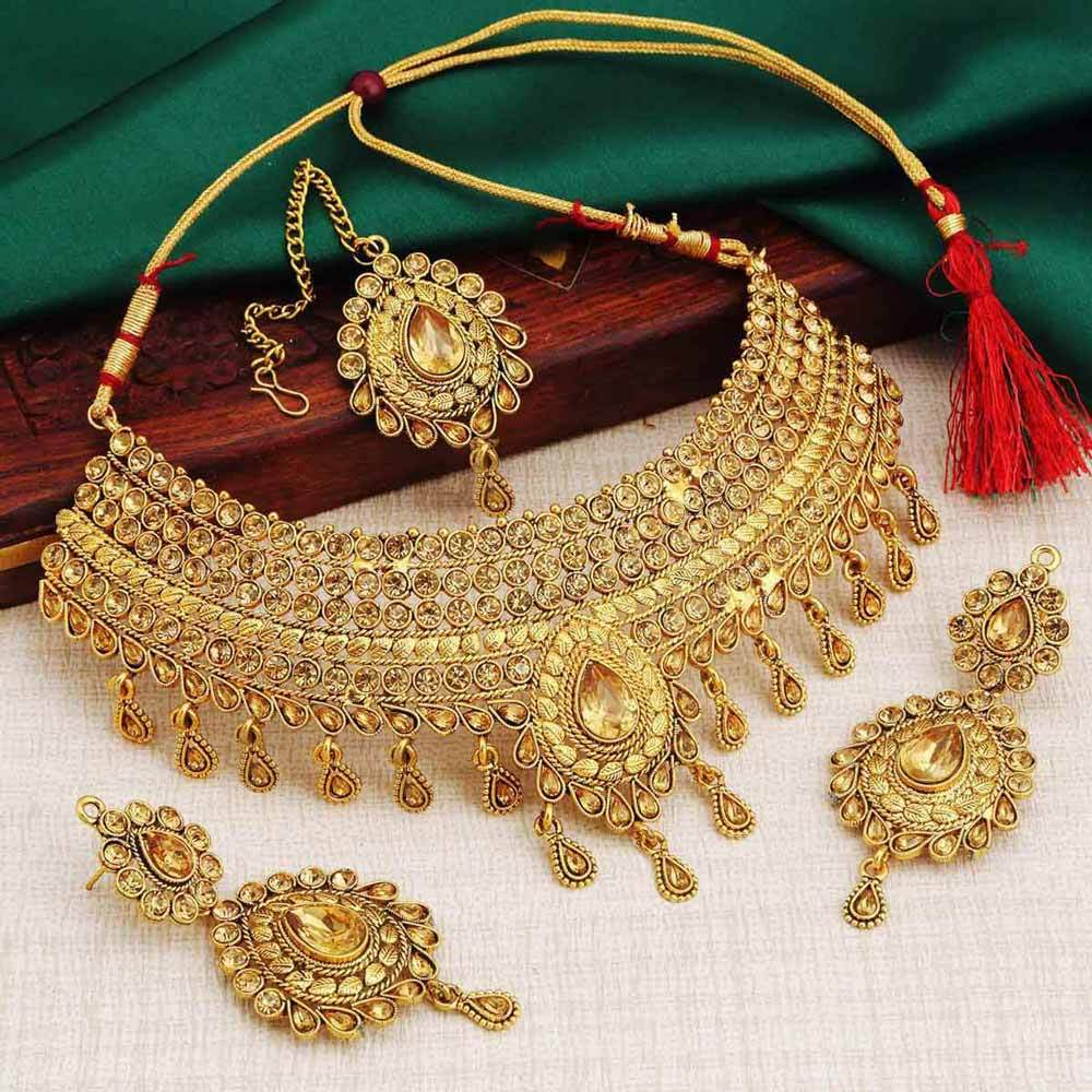 Sukkhi Attractive Choker Gold Plated Necklace Set for Women