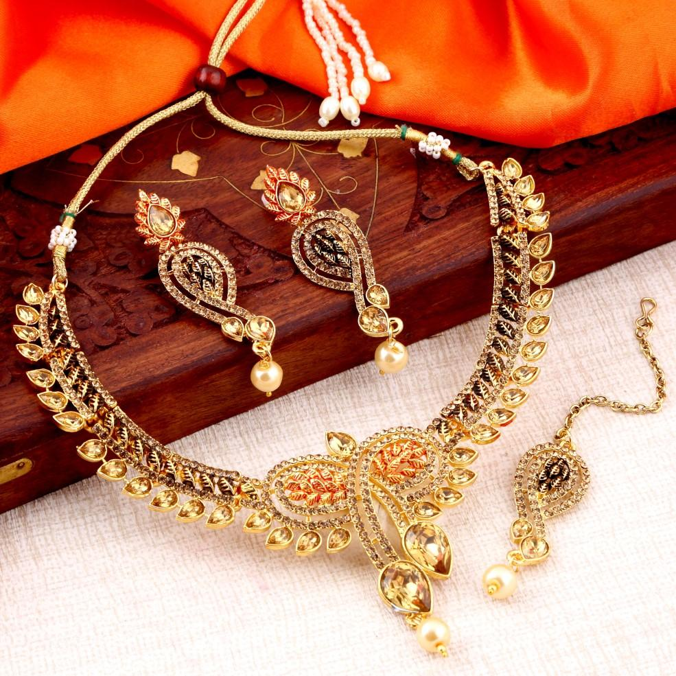 Sukkhi Cluster Lct Stone Gold Plated Necklace Set For Women