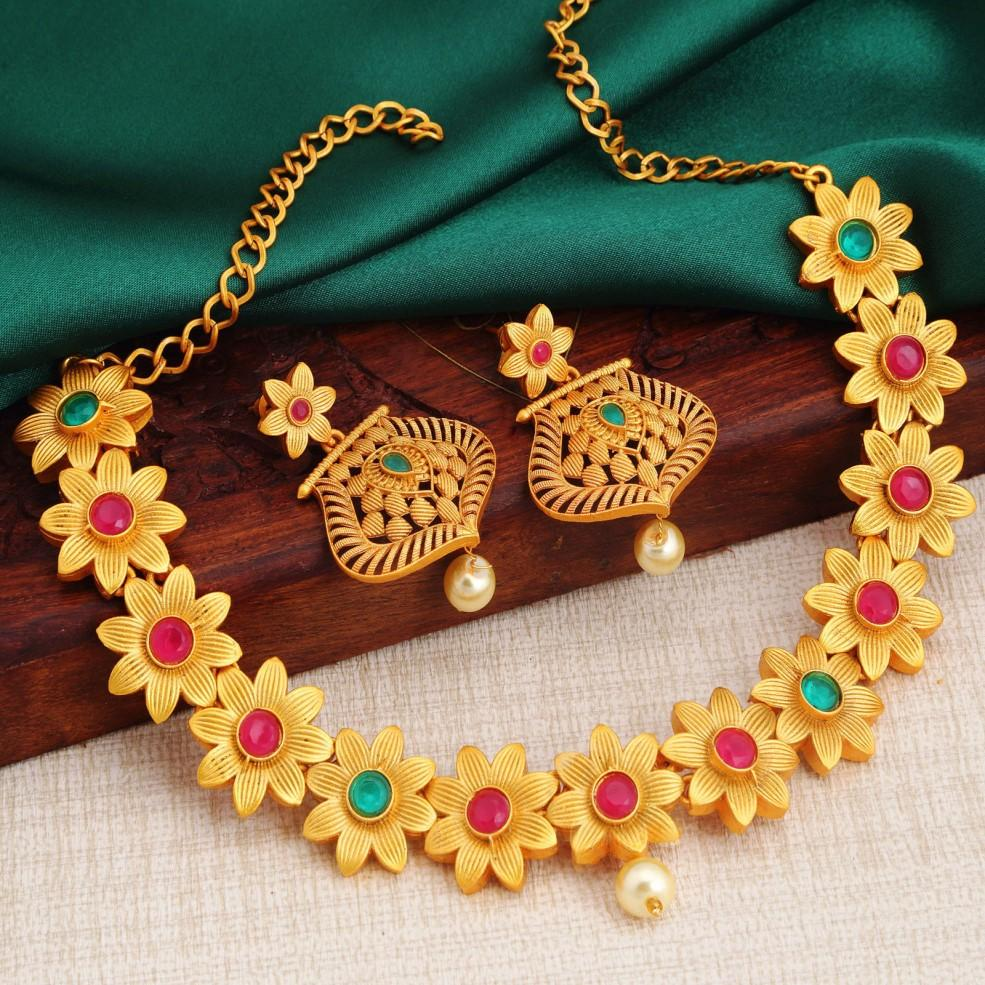 Sukkhi Brilliant Gold Plated Flower Necklace Set For Women