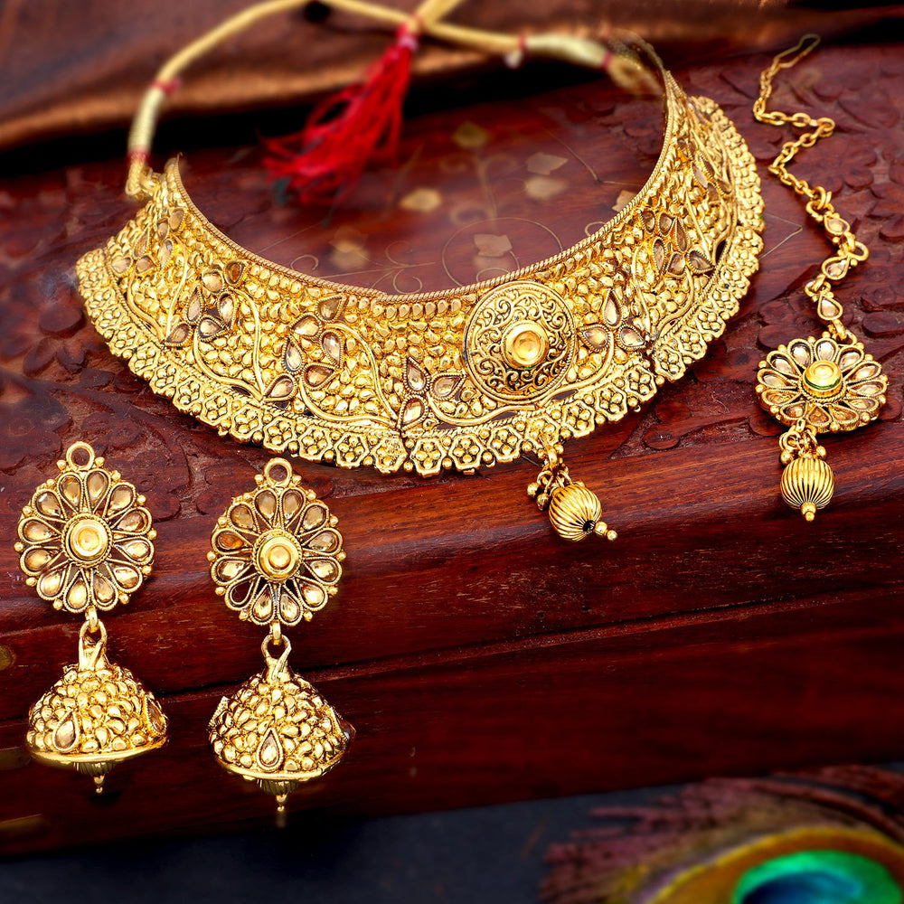 Sukkhi Gleaming Gold Plated Choker Necklace Set For Women