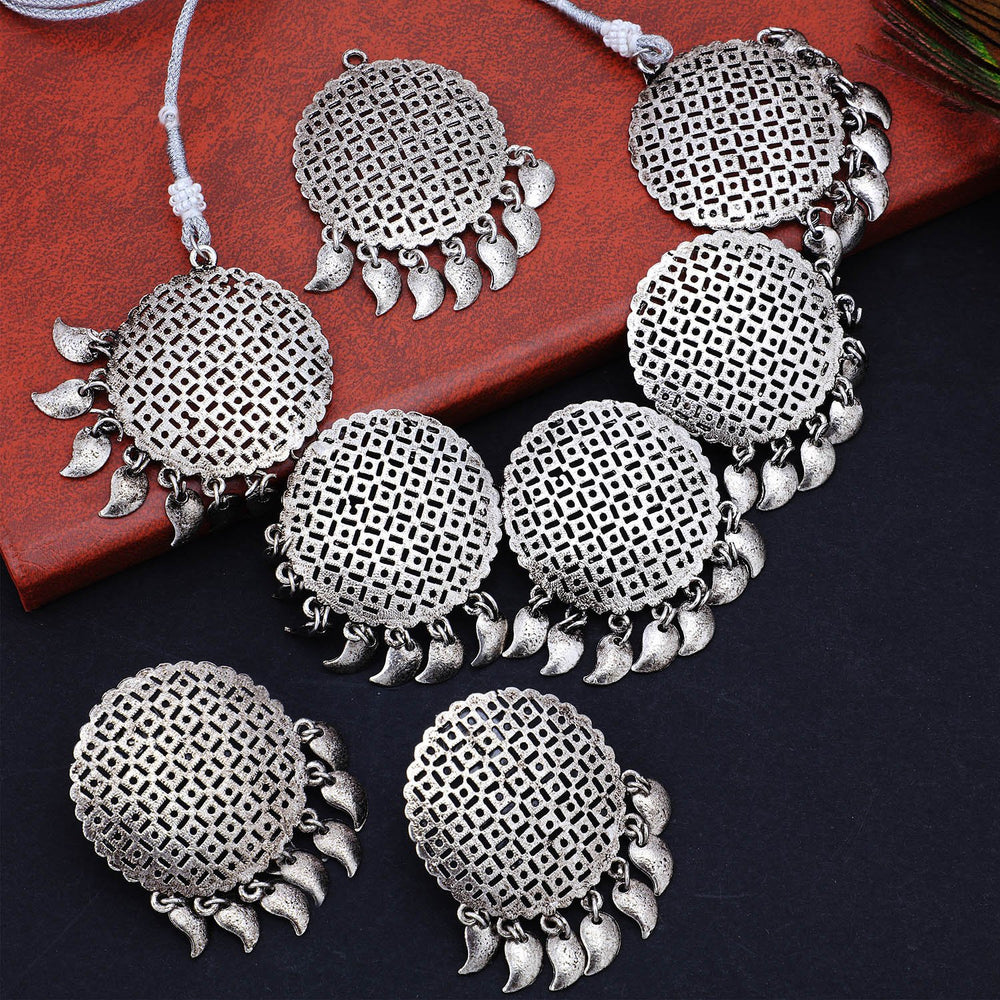 Sukkhi Ritzy Oxidised Plated Choker Necklace Set For Women