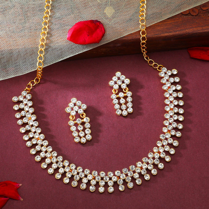 Sukkhi Glimmery Gold Plated Necklace Set for Women