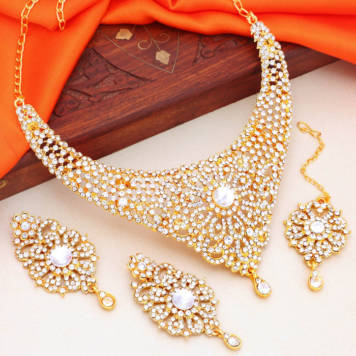 Sukkhi Fashionable Gold Plated Choker Necklace Set For Women