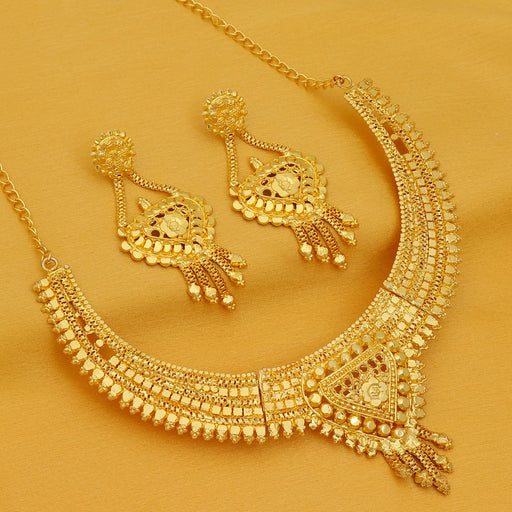 Sukkhi Fascinating 24 Carat 1 Gram Gold Plated Choker Necklace Set For Women