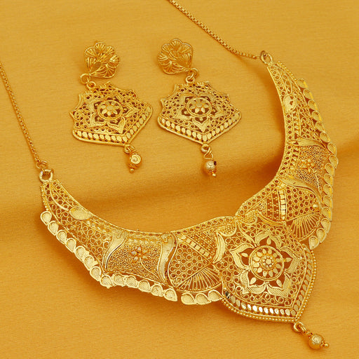 Sukkhi Ravishing 24 Carat 1 Gram Gold Plated Choker Necklace Set For Women