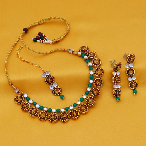 Sukkhi Dazzing Gold Plated Kundan Choker Necklace Set For Women
