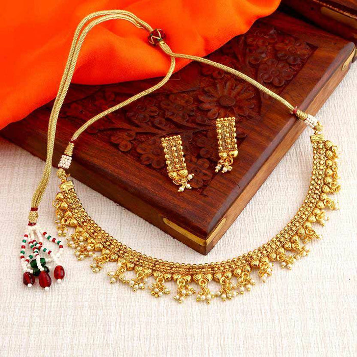 Sukkhi Glorious Gold Plated Choker Necklace Set For Women