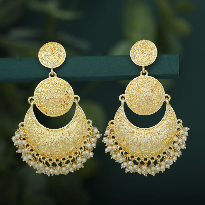 Sukkhi Glittery Gold Plated Pearl Chandelier Earring For Women