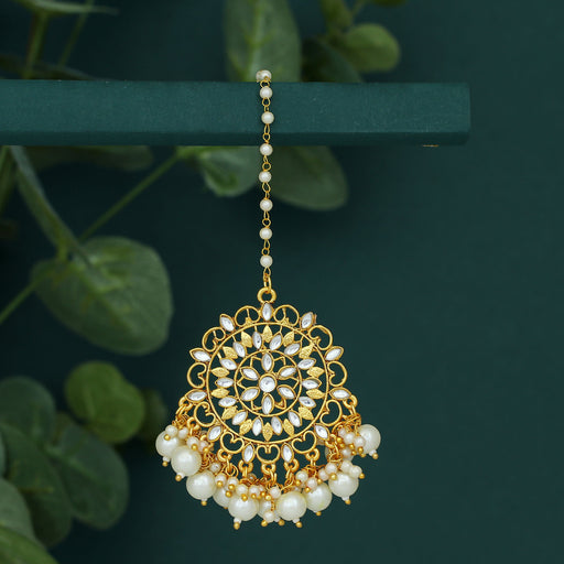Sukkhi Glorious Pearl Gold Plated Kundan Maangtikka for Women